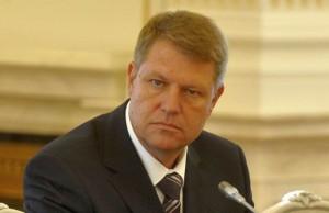Presedintelui Klaus Iohannis i s-a cerut demisia in noaptea de Inviere