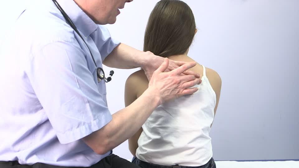 CAZ ȘOCANT LA CONSTANȚA. Un medic este cercetat după ce a abuzat o elevă