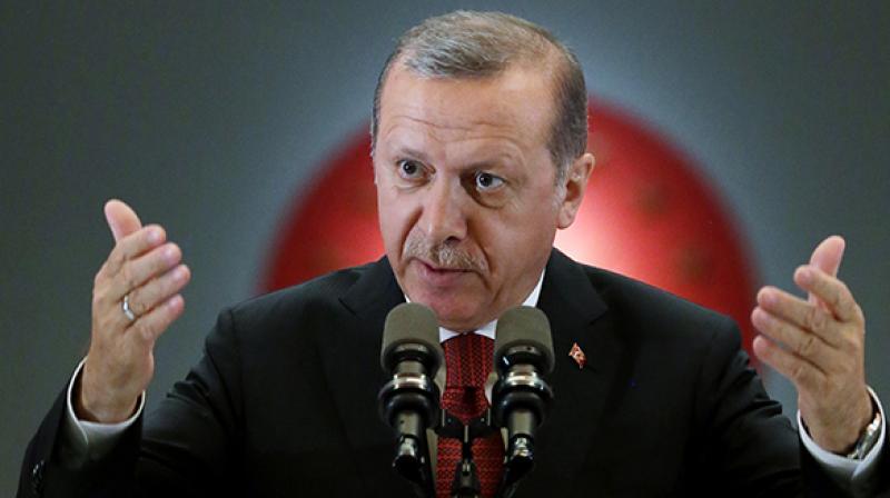 Erdogan nu se teme de sancțiunile Occidentului. Ofensiva militară turcă în Siria va continua