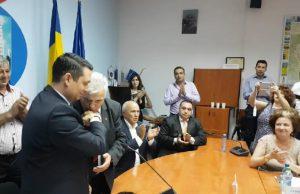 De ce i-a pupat mana un consilier județean noului presedinte al CJ Prahova