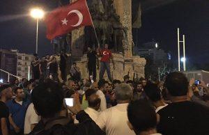 Turcii ies din nou in strada