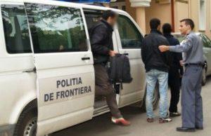 VIDEO SPECTACULOS Cum au prins polițistii cu focuri de arma 28 de imigranți care incercau sa treaca granița
