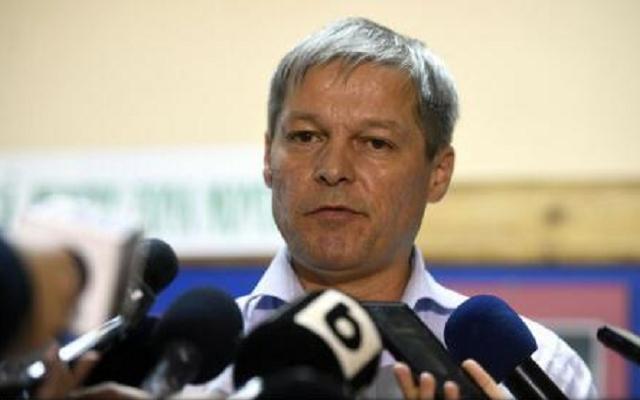 """Cioloş, după decizia CCR: """"PSD se răzgândeşte, iar PNL începe să şovăie"""""""