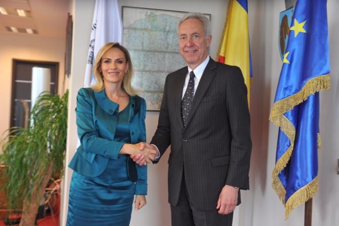Ce promisiuni i-a făcut Gabriela Firea ambasadorului Statelor Unite