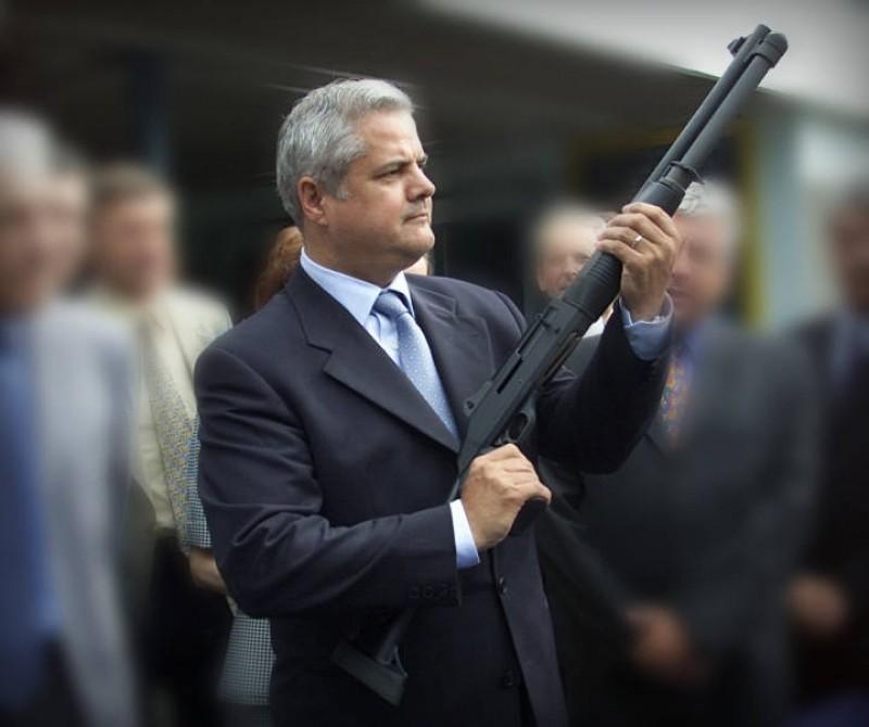 Adrian Năstase pune tunurile pe un partid important din România