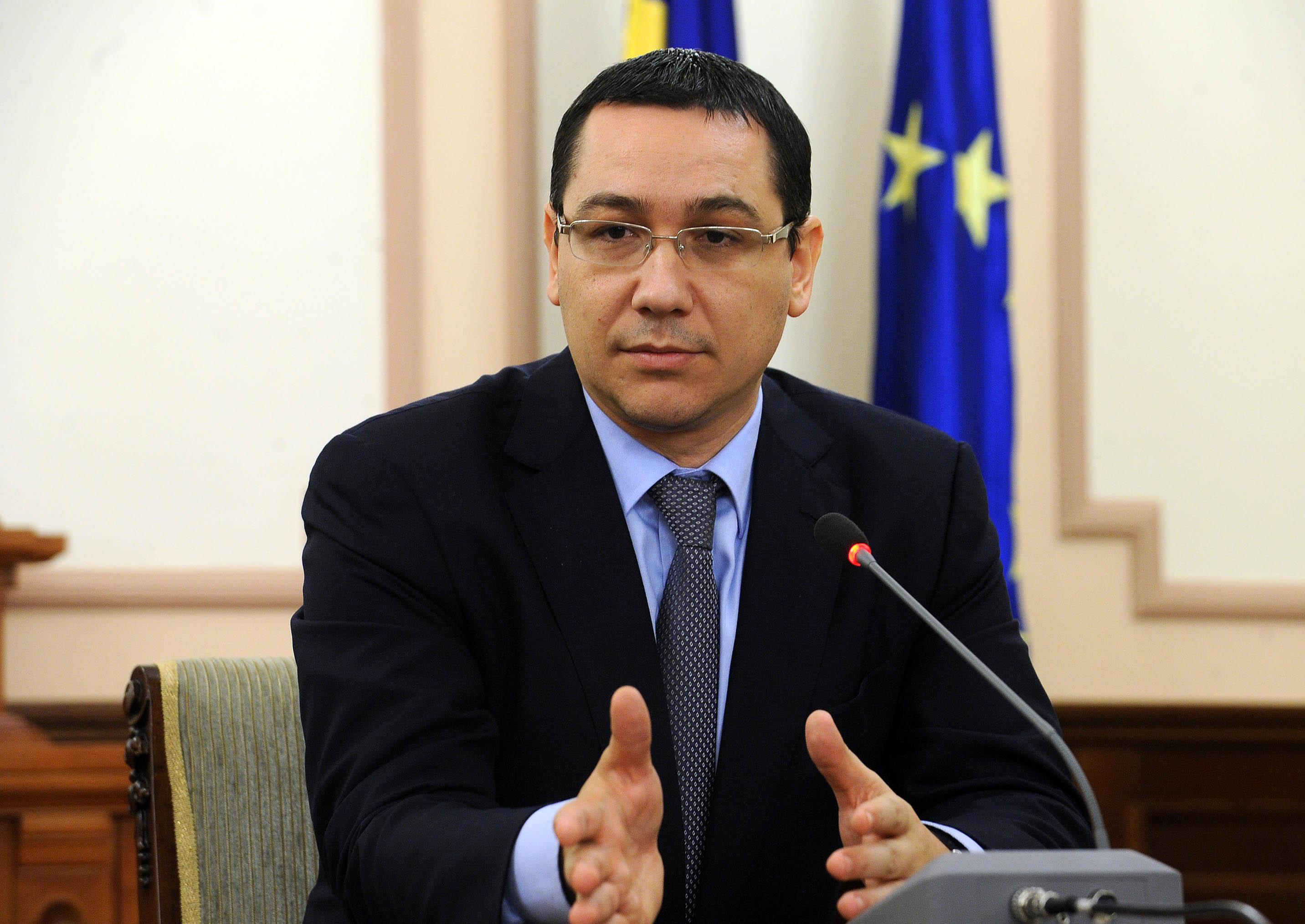 """Ponta: """"Dan ar vrea să-şi dea demisia dar nu o lasă Dragnea"""""""