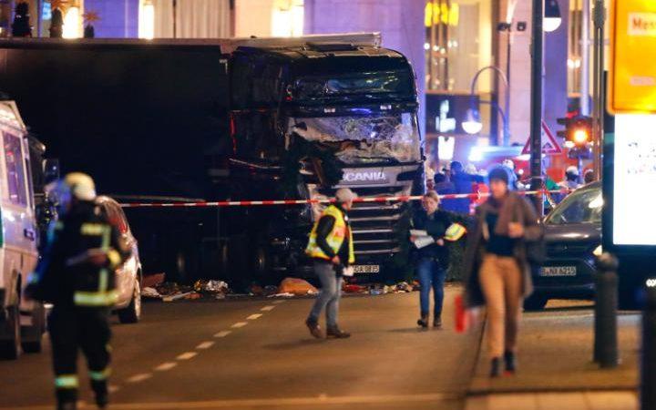 MAE transmite că nu s-au înregistrat români printre victimele atacului de la Berlin