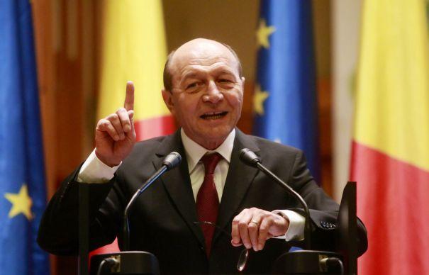 Băsescu nu vede cu ochi buni participarea liderilor opoziției la proteste