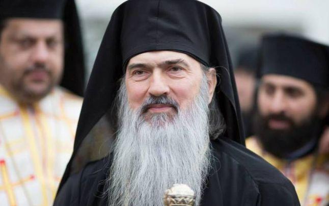 """ÎPS Teodosie a încălcat din nou restricțiile la slujba ținută joi seara. """"Bisericile nu trebuie să se închidă orice boală ar mai veni"""""""