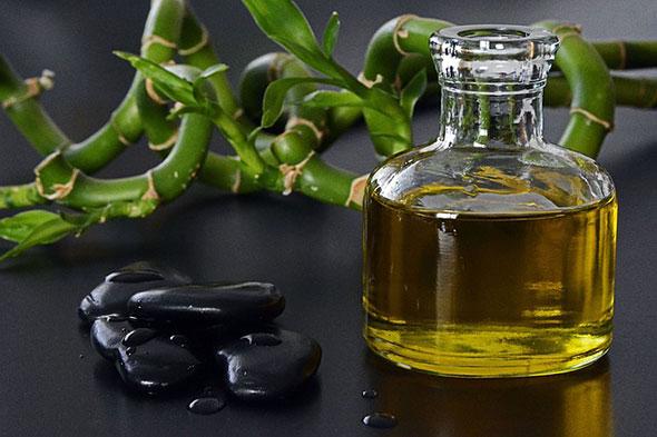 Tratament comun cu ulei de ricin, dureri de spate, în partea dreaptă