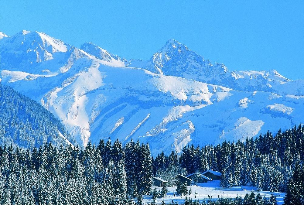 Top cinci cele mai frumoase destinații turistice în munți! Panorame care te lasă fără cuvinte