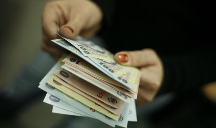 Primele efecte ale revoluției fiscale. Cel mai slab leu din 2012 și până în prezent