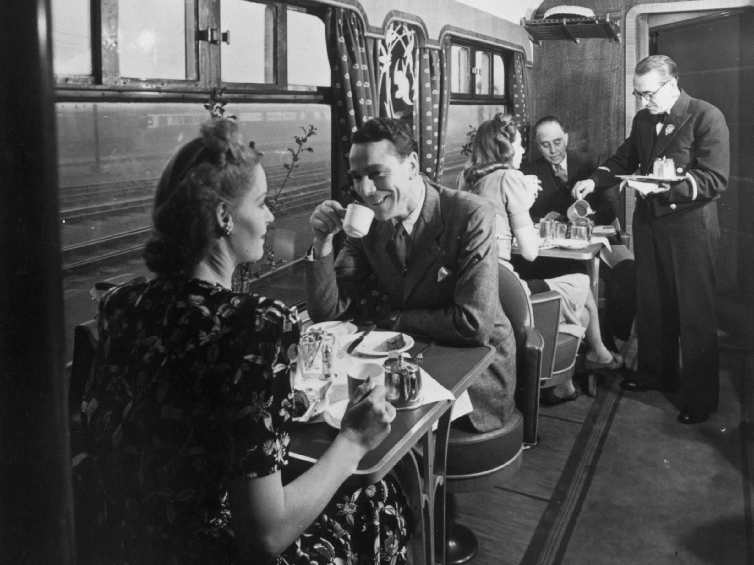 Imagini de epocă, care arată farmecul călătoriei cu trenul în trecut! Eleganța la superlativ