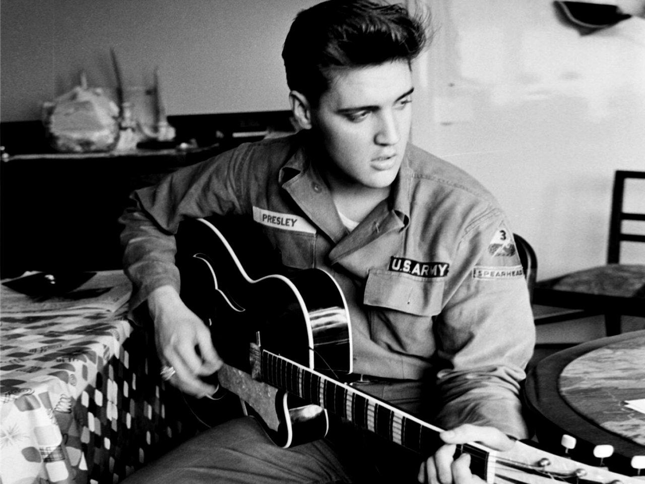 Avionul lui Elvis Presley a fost vândut! Cum arată aeronava și cât a costat