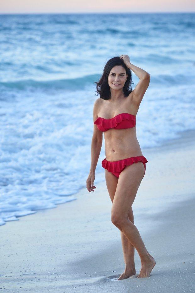 Cum procedează o femeie de 70 de ani pentru a avea corpul uneia de 35. Dieta-minune