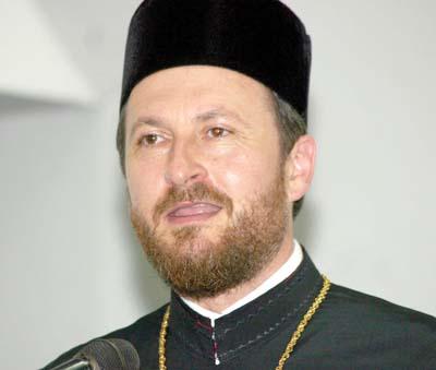 Preoții care l-au șantajat pe fostul episcop al Hușilor, condamnați la închisoare cu executare