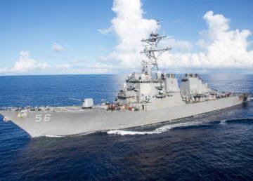 Marina americană, în alertă: O navă militară s-a ciocnit cu un vas comercial! 10 marinari dispăruți