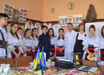 Ucraina desfiinţează şcolile cu predare în limba română