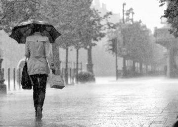 Alertă de vreme rea! Ploi torenţiale, grindină şi vijelii până miercuri seara