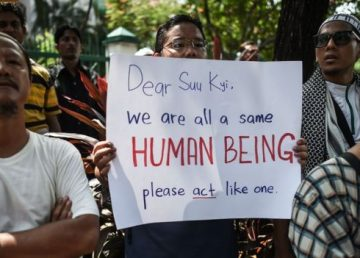 Myanmar, în pragul războiului civil. Musulmanii Rohingya, prigoniţi de majoritatea budistă