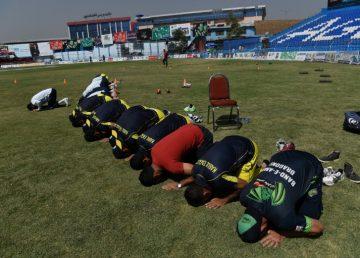 Interzis de talibani, afghanii au redescoperit cricketul