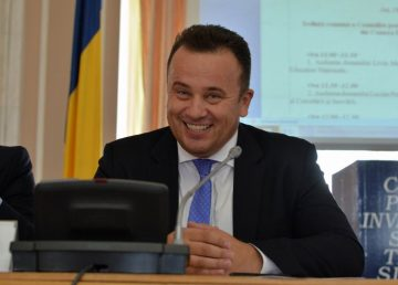Ministrul Pop dă nota 7 învățământului românesc