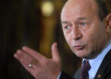"""Băsescu intervine în scandalul dintre Toader și Lazăr: """"Domnule profesor, e groasă omule"""""""