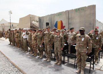Un militar român a murit, alţi doi răniţi în Afghanistan