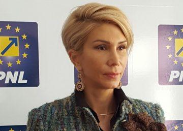 Turcan: Solicit public ca salariile profesorilor să fie plătite la timp