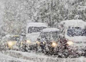 Cod galben de ninsori abundente în Capitală şi-n 17 judeţe