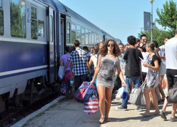 Adio gratuitate pe calea ferată pentru studenţii de peste 26 ani