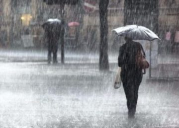 ANM a prelungit avertizările cod galben și portocaliu de ploi abundente și vânt puternic