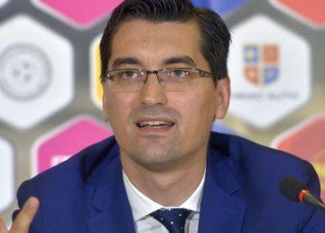 """Răzvan Burleanu a câştigat alegerile pentru şefia FRF. """"I-am ciuruit deşi nu a fost un fleac"""""""