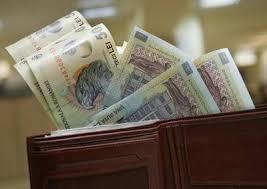 Salariile bugetarilor se vor vira înainte de Paști, pensiile nu