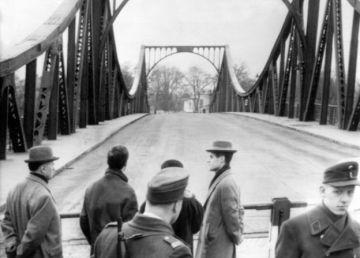 Podul Spionilor. Rudolf Abel versus Francis Gary Powers
