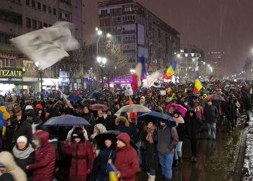 """VIDEO/UPDATE:100.000 de protestatari în toată țara. """"Nu vrem să fim o nație de hoți"""""""