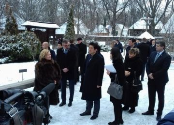 """Cum """"s-a răzbunat"""" premierul Japoniei pe politicienii români"""