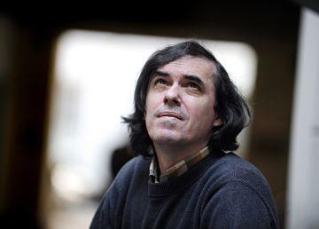 """Mircea Cărtărescu: """"Voi merge la protest pentru că opoziția nu vrea să își asume guvernarea"""""""