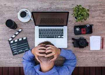 Patru semne ascunse că stresul de la serviciu îți afectează serios sănătatea