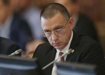 """Mihai Fifor: """"România trebuie să devină un hub regional al industriei de apărare"""""""