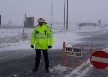 UPDATE:Iarnă violentă în toată țara. Drumuri închise. Ger năprasnic. Școli închise