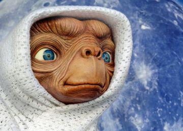 Cum ar reacționa omenirea dacă s-ar descoperi că există extratereștri