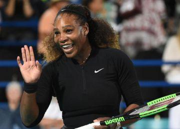 """Serena Williams se încălzeşte pentru Indian Wells. """"E oficial.M-am întors"""""""