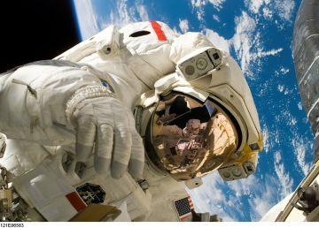 Descoperirea care fascinează NASA. Cum se modifică ADN-ul astronauților care călătoresc în Spațiu