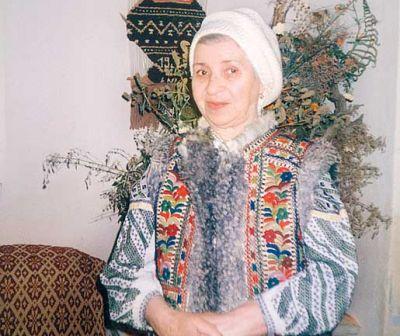 Tratat de hrană vie. Reguli pentru o alimentație corectă de la Elena Niță Ibrian, un pionier al mâncării fără foc