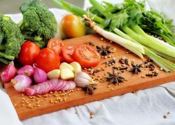 Cum să-i determini pe copii să-și formeze obiceiuri alimentare sănătoase