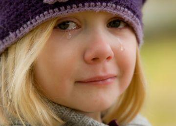 Ar trebui sau nu să le cerem scuze copiilor după ce strigăm la ei? Ce ne sfătuiesc psihologii
