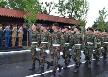 Militarii moldoveni au defilat la Buzău de Ziua Eroilor