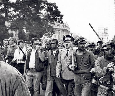 """28 de ani de la Mineriada care a condamnat România la neocomunism. """"Noi muncim, nu gândim!"""""""