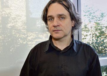 Explicația redactorului-şef al Charlie Hebdo: Românii, ca toţi europenii, nu au umor